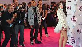 'Duygusal çöküntü' yaşayan Selena Gomez hastaneye kaldırıldı