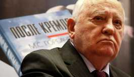 Gorbaçov: ABD'nin INF'den çekilmesi yeni bir silah yarışının ilanı