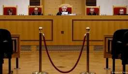 Polonya yargıçları erken emekli edemeyecek