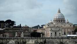 'Vatikan çocuk istismarını iki kez örtbas etti'