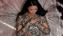 Adriana Lima, Victoria's Secret'a gözyaşları içinde veda etti