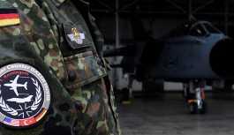 Alman ordusu içinde bir grup, siyasetçilere suikast hazırlığı yaparken çökertildi'