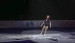 Buz üstünde striptiz yapan Rus atletin hesabını hackleyenler, Türkiye'ye para göndermesini istedi