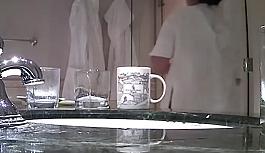 Çin'deki lüks otellerde temizlik skandalı: Aynı havluyla yerleri, lavaboyu ve bardakları sildiler