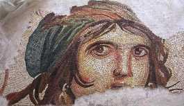 Çingene Kızı mozaiğinin kayıp parçaları Türkiye'ye geri getirildi