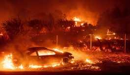 Kaliforniya'nın Paradise kasabası yangına teslim: 72 kilometrelik ormanlık arazi kül oldu