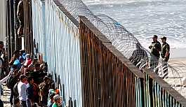 Meksika'dan göçmen konvoyundaki 213 kişiye gözaltı