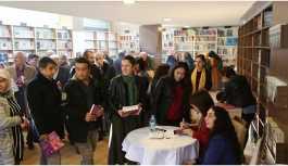 'Siyasetin Mor Rengi' kitabı imzalandı