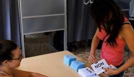 Yeni Kaledonya'da referandum: Halk Fransa'dan ayrılmamayı seçti