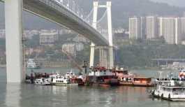 Yolcu-şoför kavgası nehirde bitti: 13 kişi öldü, 2 kişi kayıp
