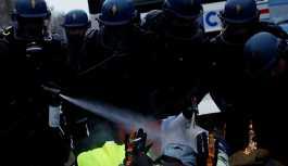 BBC, muhabirlerinin Fransa'daki protestolarda 'Rus izi' arayışlarını yorumladı