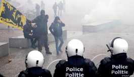 Brüksel'de göç karşıtlarına polis müdahalesi
