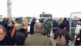 Demirtaş'ın duruşması başlamadan polisten engel