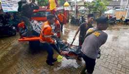 Endonezya'yı yine tsunami vurdu: 168 ölü, 700'den fazla yaralı