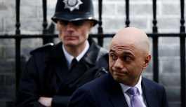 İngiltere'de 'sığınmacı alarmı': İçişleri Bakanı Noel tatilini yarıda kesti