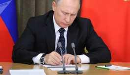 Putin, sokaklardaki döviz kuru panolarını yasakladı