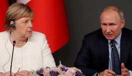 Putin ve Merkel telefonda görüştü