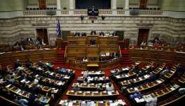 Yunanistan'da 'kurtarma paketi' haricinde hazırlanan ilk bütçe onaylandı