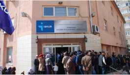 Diyarbakır'da binlerce kişi 6 aylık iş kuyruğunda