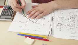 Matematik ödevi için polisi aradı