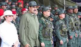 Rusya: Maduro'yu koruması için Venezüella'ya asker gönderdiğimiz yalan