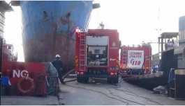 Tuzla'da gemide yangın: 8 kişi yaralandı