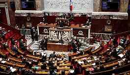 Fransa 'anne' ve 'baba' terimlerini 'Ebeveyn 1', 'Ebeveyn 2' olarak değiştirecek