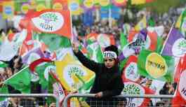 HDP'ye izin yok AKP'ye var