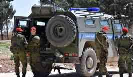 Menbiç'in Avşariye kasabasına ulaşan Rus askeri polisi, ılımlı muhaliflere 1 kilometre uzaklıkta