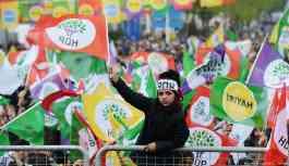 Midyat'ta HDP'nin seçim bürosu açmasına engel, işyeri sahiplerine tehdit