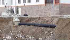 Şırnak'ta toprak kaydı, milyon TL'lik borular ortaya çıktı!