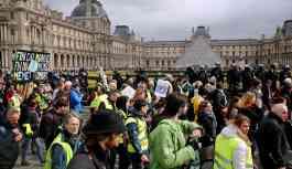 Macron yönetimi, Sarı Yelekler protestolarını yasaklıyor