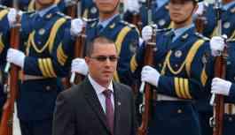 Venezüella'dan ABD'li diplomatlara 72 saat süre