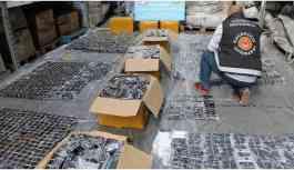 KOM Polisleri 'kaçak' diye el koydukları lüks telefonları eşlerine hediye etmiş!