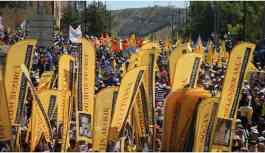 On binler Madımak'a yürüyor