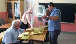 Yenilenen seçimi AKP adayı kazandı