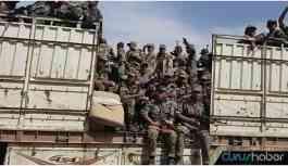 Suriye rejim askerleri M4 Karayolu'nda
