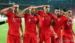 UEFA'dan 'asker selamı'na inceleme