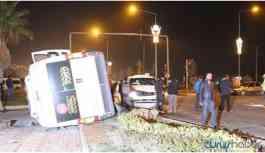 Polis aracı ile işçi servisi çarpıştı: 7 yaralı