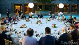 AKP'de misafire bonfile, devlet sanatçılarına nohut pilav