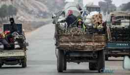 İdlib'den Türkiye sınır hattına 47 bin kişi daha geldi