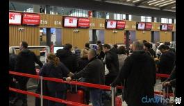 Çok sayıda uçak seferi iptal edildi: Rötarlar yaşanıyor