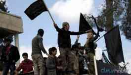 Suriye ordusuna saldırı: Onlarca ölü ve yaralı var