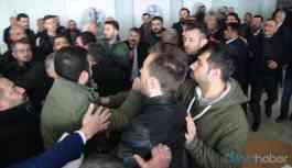 CHP İl Başkanlığı Kongresi'nde çıkan tartışma yumruklu kavgaya dönüştü