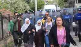 """Savcı """"Beyaz Tülbentli Anneler""""in cezalandırılmasını istedi!"""