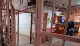 Savcı hakkında 'cezaevine kaçak giriş' davası