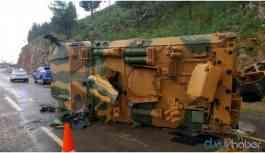 Askeri araç devrildi: Yaralı askerler var