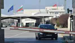 Dokuz ülkeden gelen yolcular sınır kapılarından geri çevriliyor