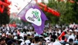 HDP'liler salgına karşı maske ve eldiven dağıttı