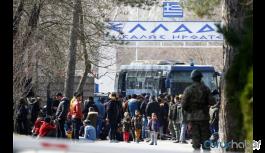 Sınırdaki mülteciler otobüslerle geri gönderiliyor